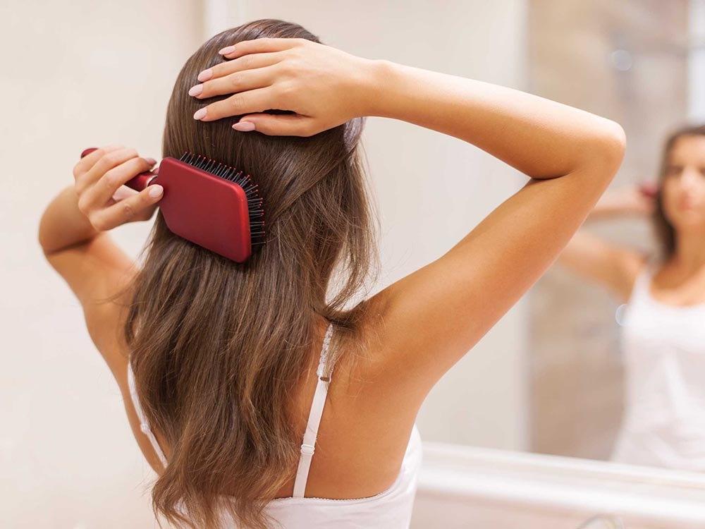 Comment enrayer la chute de cheveux saisonnière ?